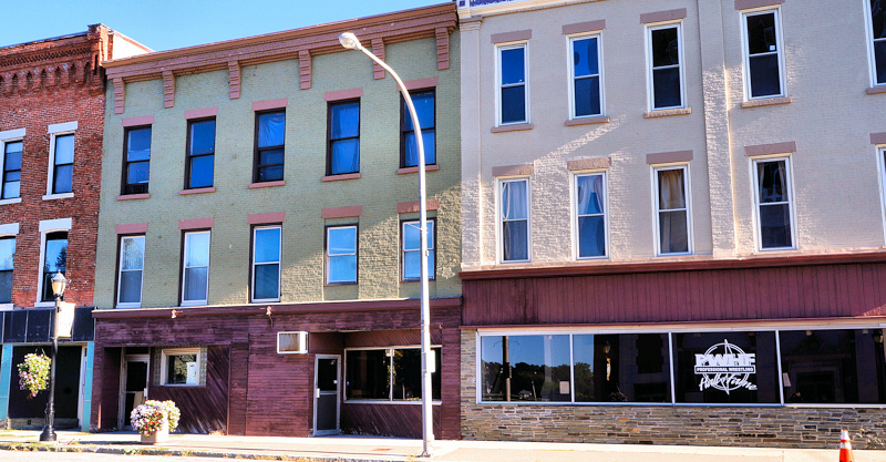 Plans for OTB parlor, restaurant, apartments on Main Street approved