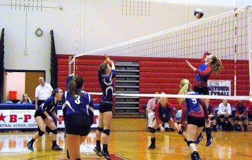 Cassy Bown goes up for a kill