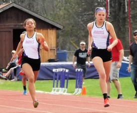 Brenda Santana and Lauren Santiago in the 200 meter final