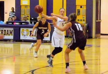 Taylor Flint passing to Lucia Liverio