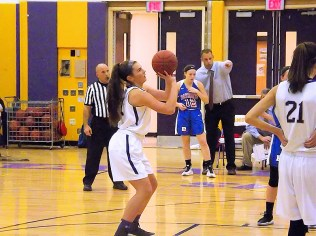 Elena Fedullo lines up a free throw