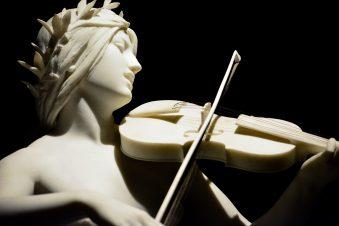 Girl with Violin Ny Carlsberg Glyptotek Kopenhagen