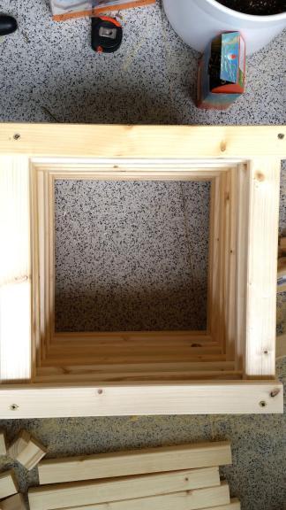 DIY Balkonsofa Hocker und Fueße bauen