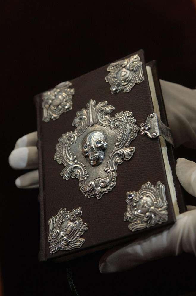 Những cuốn sách đắt nhất mọi thời đại