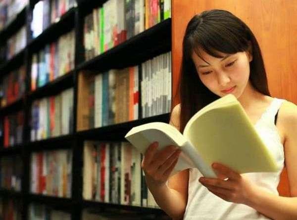 Một cuốn sách hay giá bằng 2-3 ly trà sữa, vì sao nhiều người trẻ Việt sẵn sàng chọn đồ uống chứ không chọn sách?