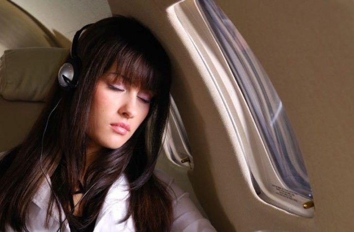 đi máy bay, ngủ trên máy bay