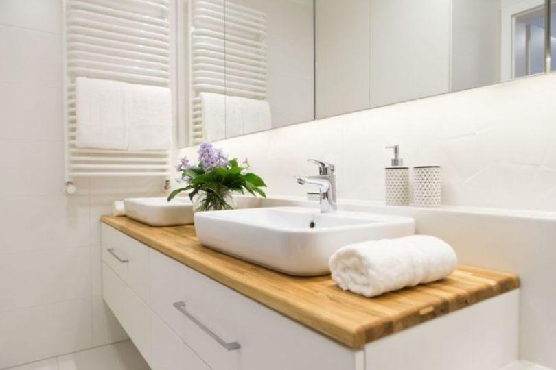 деревянная столешница под раковину в ванную