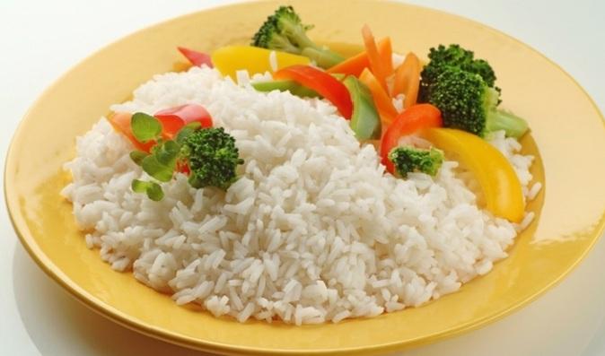 Jak vařit rýži na boční misku photo