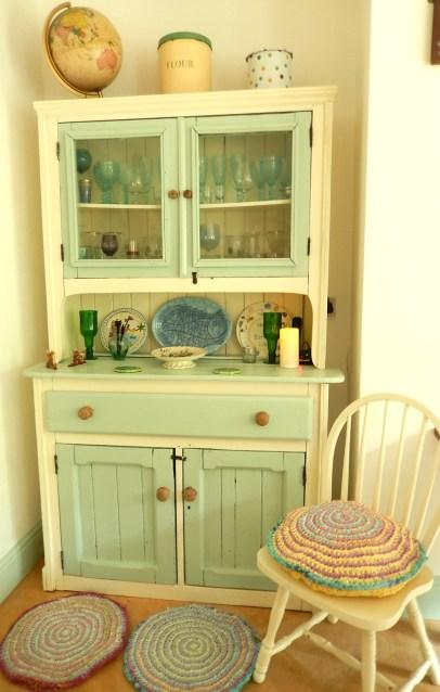 Dresser2