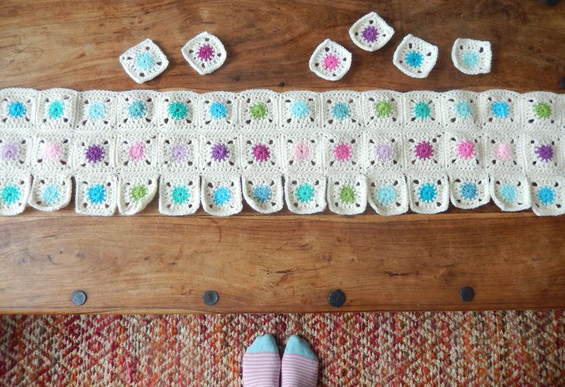 Spring-Dots-blanket