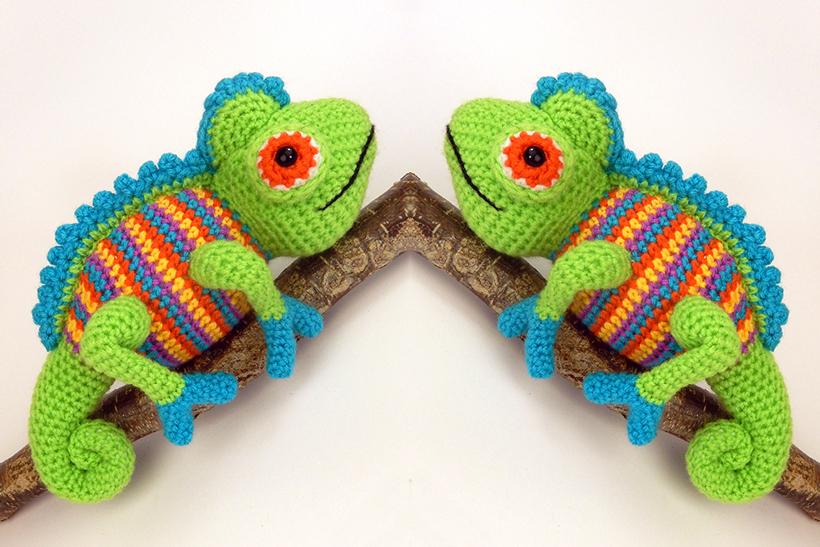 two-blue-chameleons