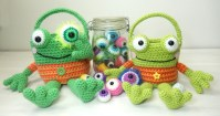 frog-eyes