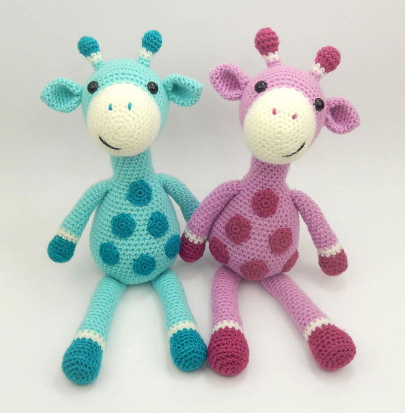 blue-and-pink-giraffes