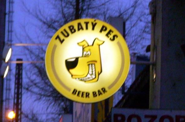 Zubaty Pes