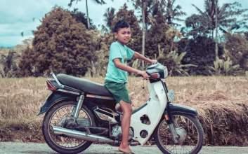 naik motor di bawah umur