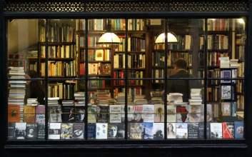 di toko buku