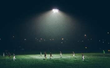 sepakbola sepak bola indonesia wabah corona libur mojok.co
