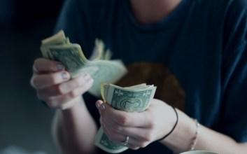 gaji kecil