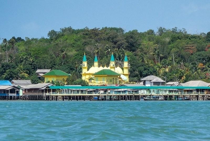Jauh-Jauh ke Pulau Penyengat Hanya untuk Berdoa Soal Jodoh? Kamu ...