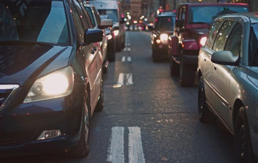 4 Alasan Orang Malas Naik Transportasi Umum di Jabodetabek