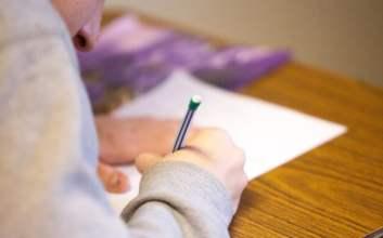 Alasan Tidak Penting Mengapa Ujian Nasional Sebaiknya Jangan Dihapus