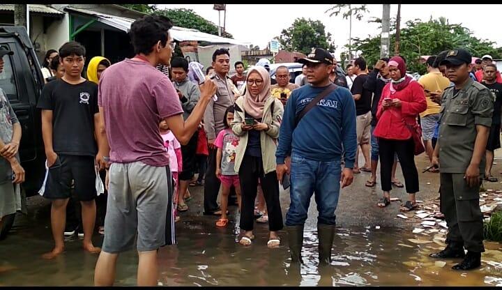 Cerita Lain Evakuasi Banjir yang Dijadikan Sarana Cari Muka Pejabat