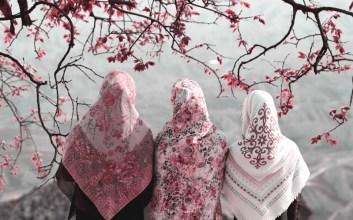 Jadi Sebenarnya yang Benar Itu Menutup Aurat atau Memakai Jilbab?