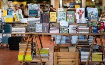 pedagang buku penjual buku online toko buku online Segalau-galaunya Hubungan Tanpa Status, Masih Lebih Galau Tak Kesampaian Beli Buku di Tanggal Tua