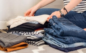 Mengungkap Kepribadian Seseorang dari Caranya Mengambil Pakaian di Lemari