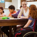 guru slb pendidikan khusus pendidikan luar biasa sarjana spesialisasi pengalaman disabilitas mojok.co
