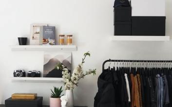 Capsule Wardrobe Adalah Solusi Buat Kamu yang Selalu Bingung Mau Pakai Baju Apa