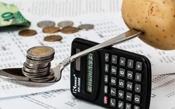 4 Tema Skripsi Buat Mahasiswa Prodi Akuntansi MOJOK.CO