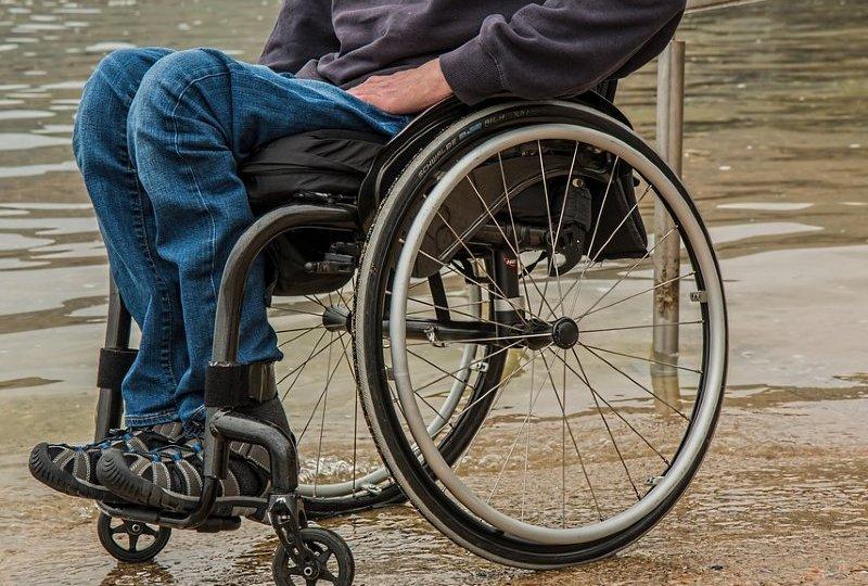 etika berinteraksi dengan penyandang disabilitas orang difabel mojok.co