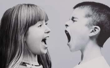 pertengkaran keluarga anak kecil marah mojok.co