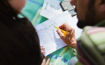 apakah guru les lebih baik daripada guru sekolah mojok.co