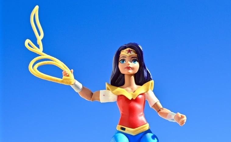 Pamela Safitri sebagai Superhero