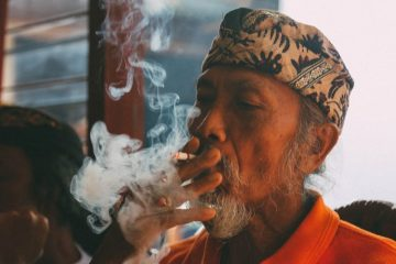 Elegi buat Mantan Rokok