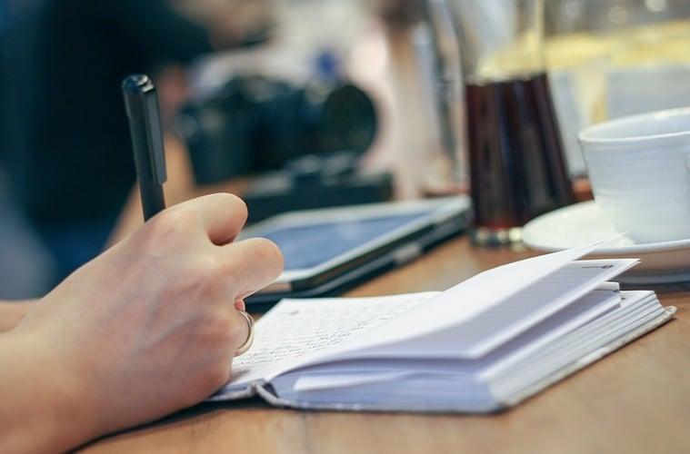 Tujuh Alasan Penulis Mojok adalah Pendamping Hidup yang Ideal