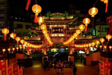 Imlek dan Ingatan pada Dua Toko Cina