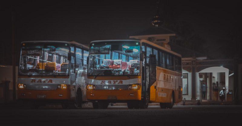 Ilustrasi bus (Foto oleh Antonius Angga on Unsplash.com)