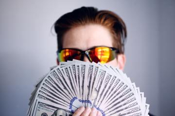 Terjerat pinjaman online dan bagaimana lepas darinya