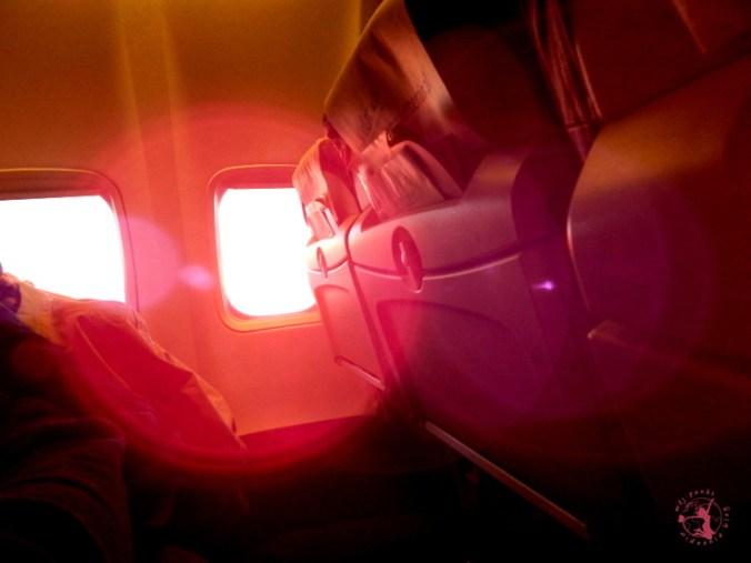 Mój Punkt Widzenia Blog - Samolot lecący do Grecji, wschód słońca