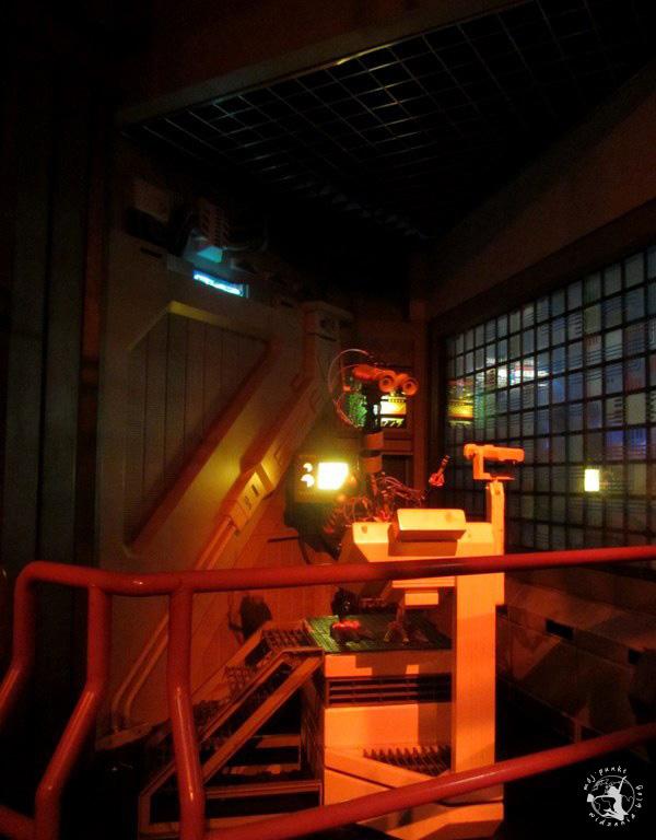 Mój Punkt Widzenia Blog - robot w Discoveryland, Disneyland