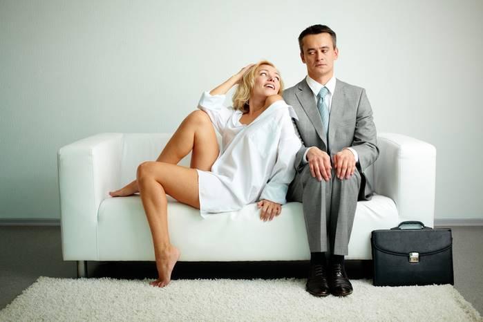 Как не надоесть мужу в браке советы. Как не надоедать мужчине: психологические методы и правила, советы