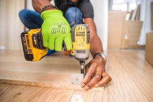 Using tools to do handyman jobs