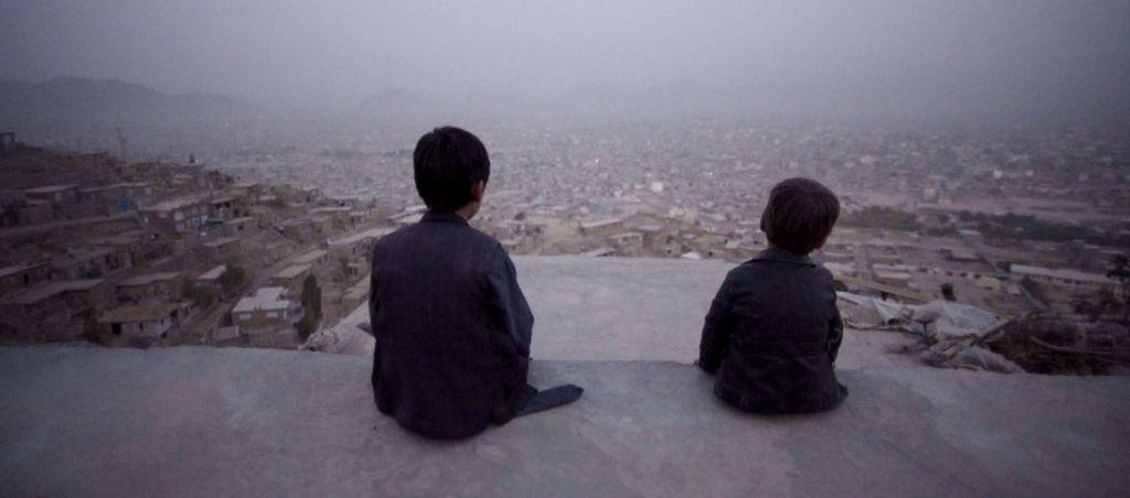 Afshin en Benjamin op het dak in Kabul
