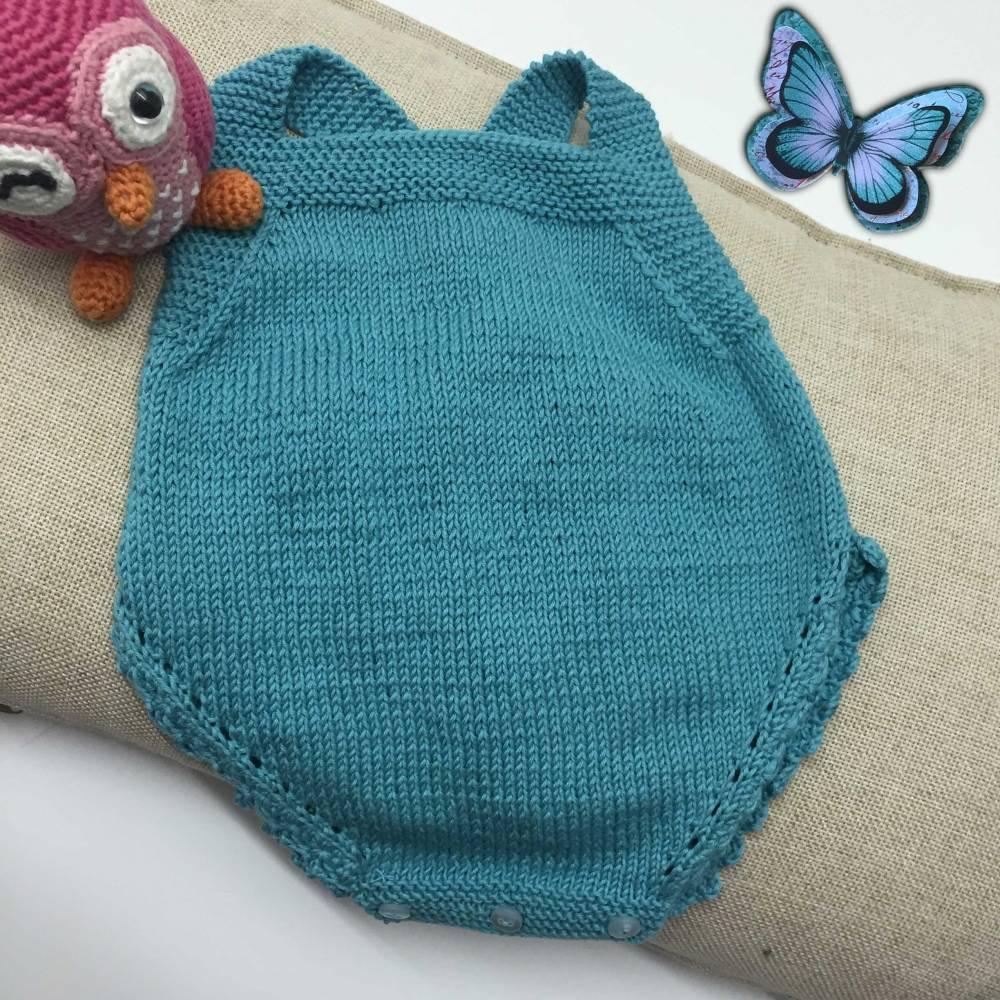 Peto para bebé a dos agujas - Ropa DIY.