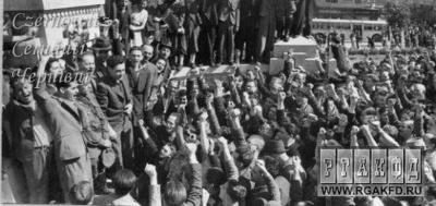 Про Чернівці в старих фото. 28 червня 1940 року.