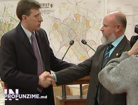 """Consilierul comunist Piotr Donțov s-a dovedit a fi """"votul de aur"""" al alianței proeuropene pentru scurt timp, anul 2012 FOTO: inprofunzime.md"""