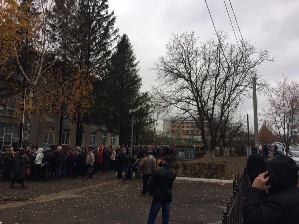 Alegătorii din Transnistria, la Varnița FOTO: Alexandru Barbăroșie